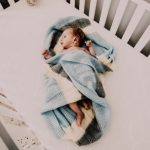 Помага ли отделянето на бебето в отделно легло за неговата независимост?